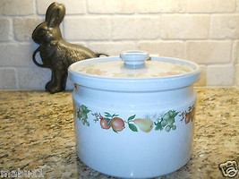 "Wedgwood Quince 8 5/8"" Round Covered Casserole ENGLAND Fruit 3.5 quart - $29.69"