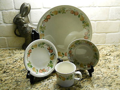 Wedgwood Quince 4 Piece Place Setting Fruit