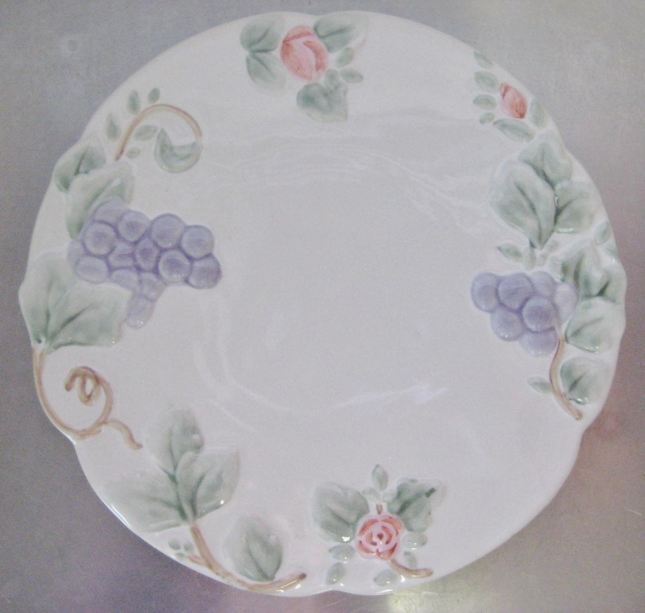 Pfaltzgraff Grapevine Round Trivet Hot Plate