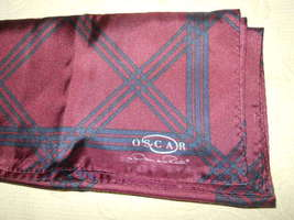SIGNED OSCAR DE LA RENTA LADIES SCARF - $14.99