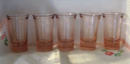 Vintage Set of 5 Pink Depression Glass Shot Glasses // Vintage Barware //  - €18,89 EUR