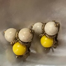 Vintage Sunny Yellow & White Plastic Three Bead with Goldtone Rope Accents Clip  - $6.79