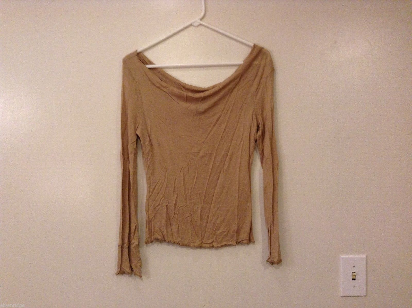 Womens Express Long Sleeve Off-Shoulder Tan Blouse T-shirt Rayon Size M