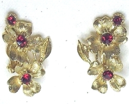Vintage Red Rhinestone & Gold Tone Floral Clip On Earrings - $14.99