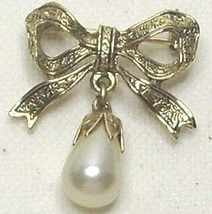 1928 Designer Faux Pearl & Gold Tone Bow Pin Brooch - $11.99