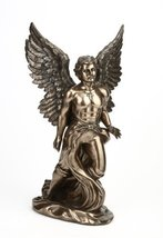 Large Male Angel Statue - $296.01