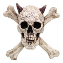 CROSS BONES HORNED DEVIL SKULL STATUE WALL PLAQUE RESIN FIGURINE AWESOME... - £20.98 GBP