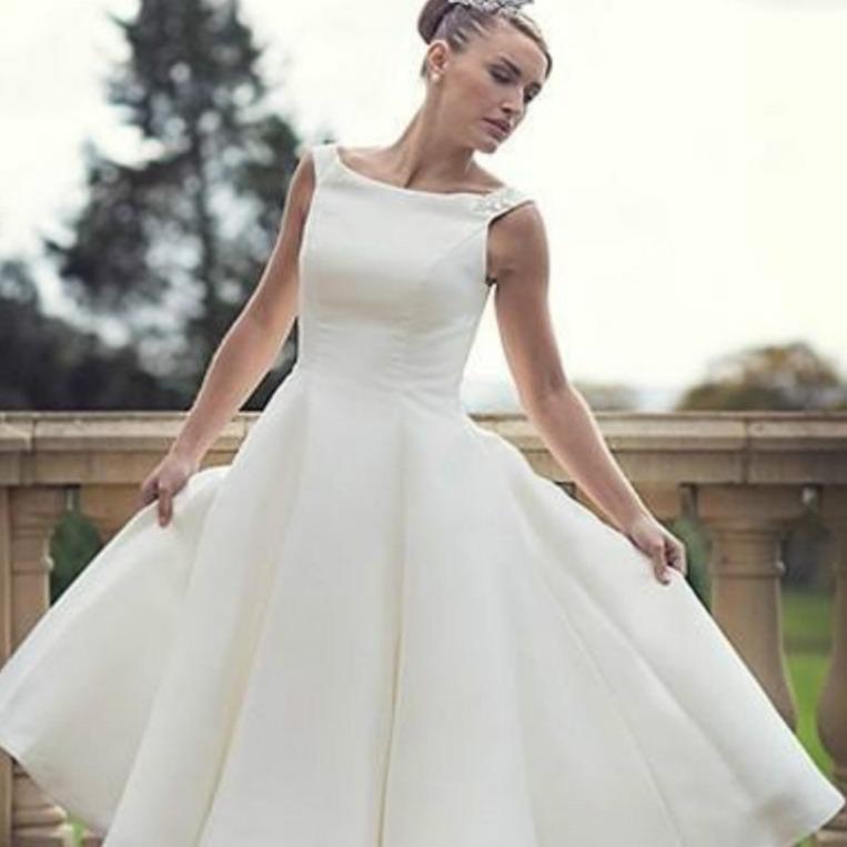Intage short tea length wedding dresses simple scoop neck ball gown satin reception women second