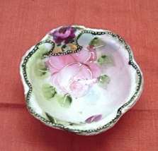 Vintage Hand Painted Porcelain Trinket Dish // Ring Dish // Footed Dish  - $4.50