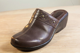 Clarks 9.5 Brown Mules Women's Shoe - $29.00