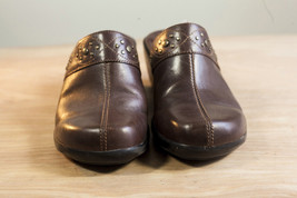 Clarks 9.5 Brown Mules Women's Shoe image 7