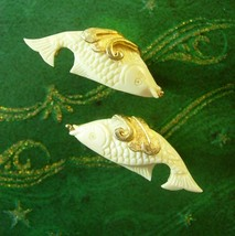 Chinese Elegance Carved Fish Cuff links Vintage Gold Fins Pearl in Mouth... - $145.00