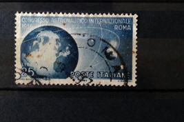 Stamps Italy 1956 1975 2005 Space 3 Single Stamps - $9.58
