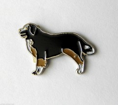 NICE QUALITY BERNESE MOUNTAIN DOG LAPEL PIN BADGE 3/4 INCH - $4.46
