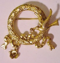 Gold-tone Bird w/Heart on Wreath Pin Brooch - $12.95