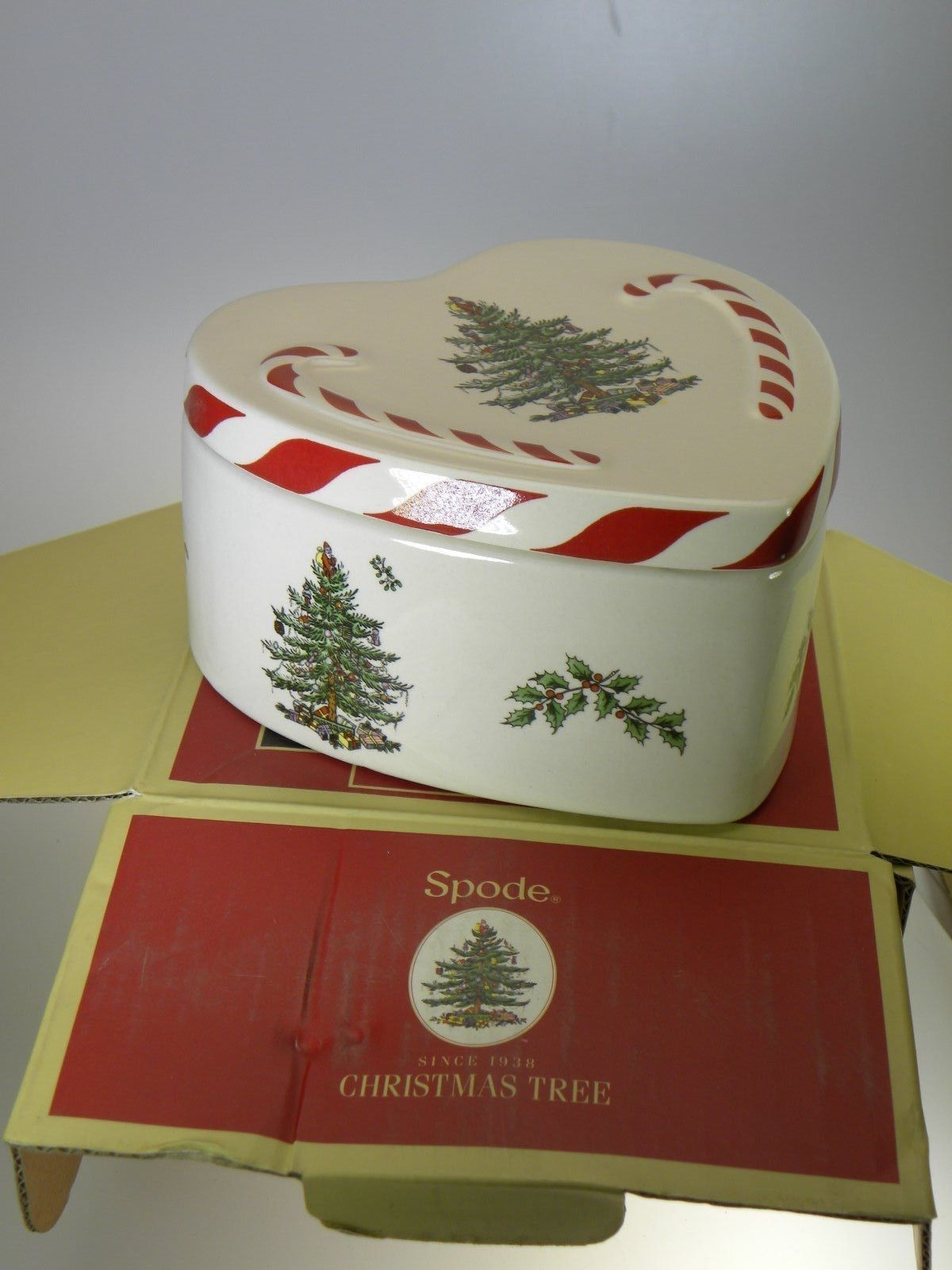 "Spode Christmas Tree Peppermint Lidded Heart Box 4.75"" New in Gift Box MSRP $50 - $19.31"