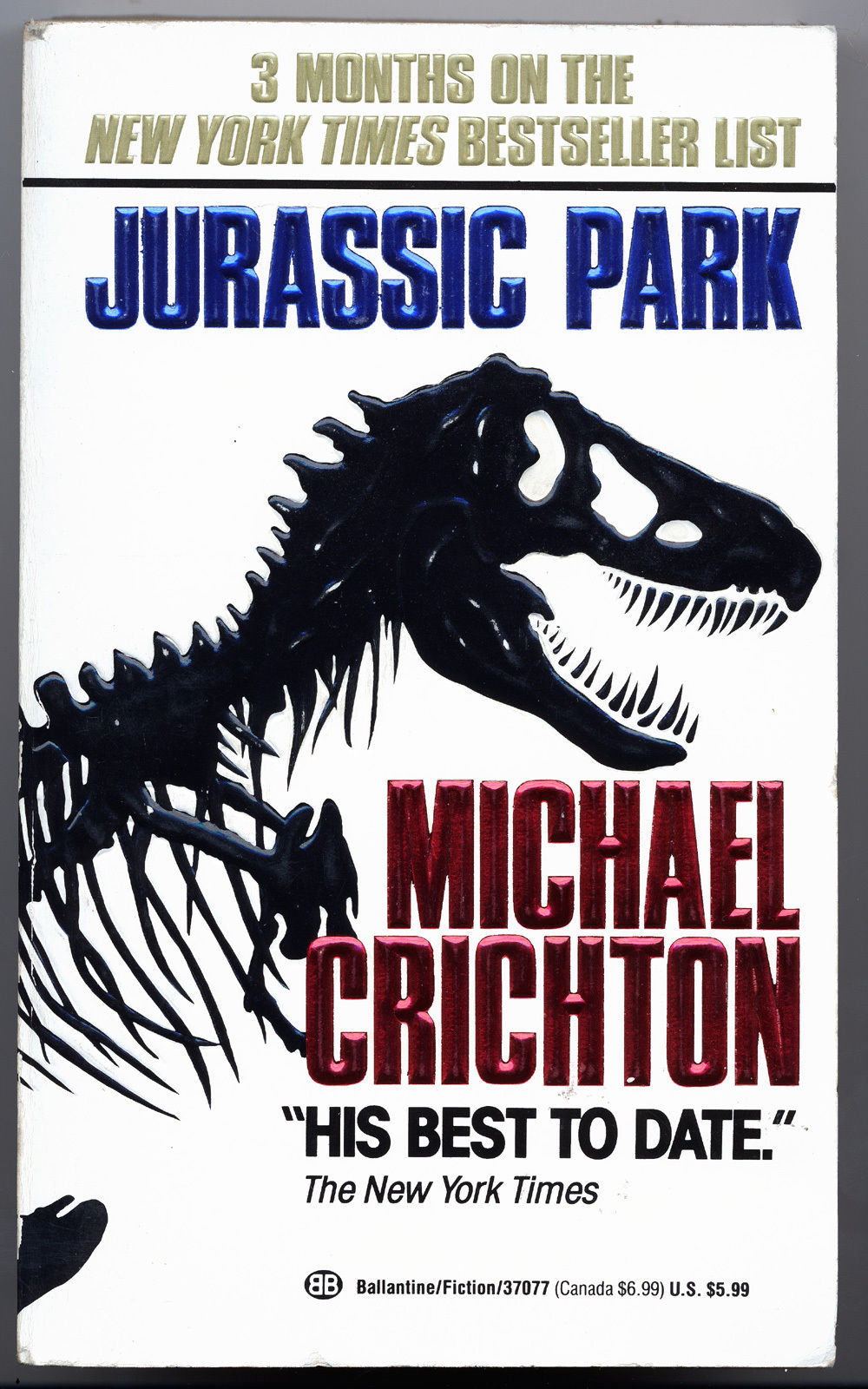 Michael Crichton JURASSIC PARK first paperback edition. Unread, like new.