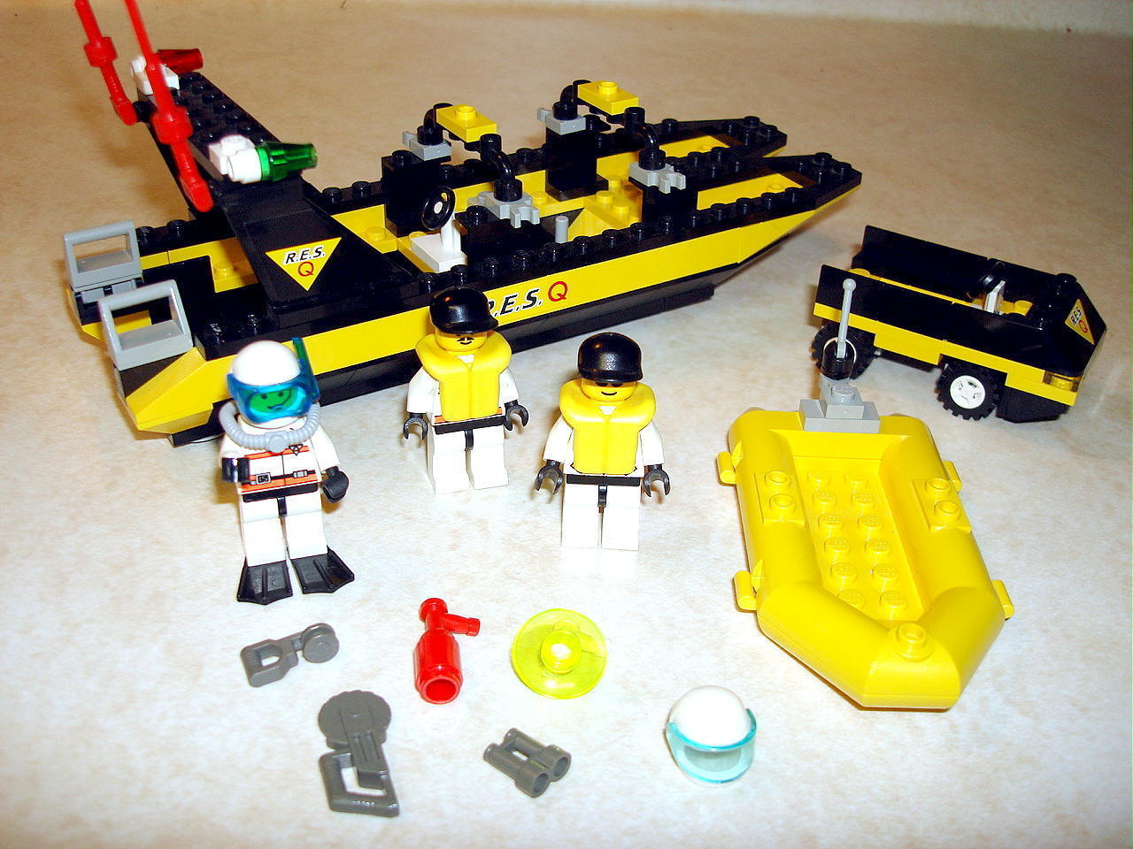 Lego Toy 3 : Lego river response resq team set block building toy