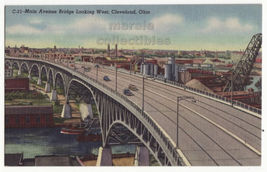 Cleveland Ohio Main Avenue Bridge Looking West 1940s vintage postcard M8538 - $3.22