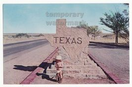 BABY COWBOY HAT & BOOTS - TEXAS STATE ENTRANCE STONE MARKER~c1960s postcard - $4.55