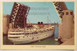 CHICAGO IL - BOAT CROSSING OUTER DRIVE LINK LIFT BRIDGE 1960s postcard - $5.47
