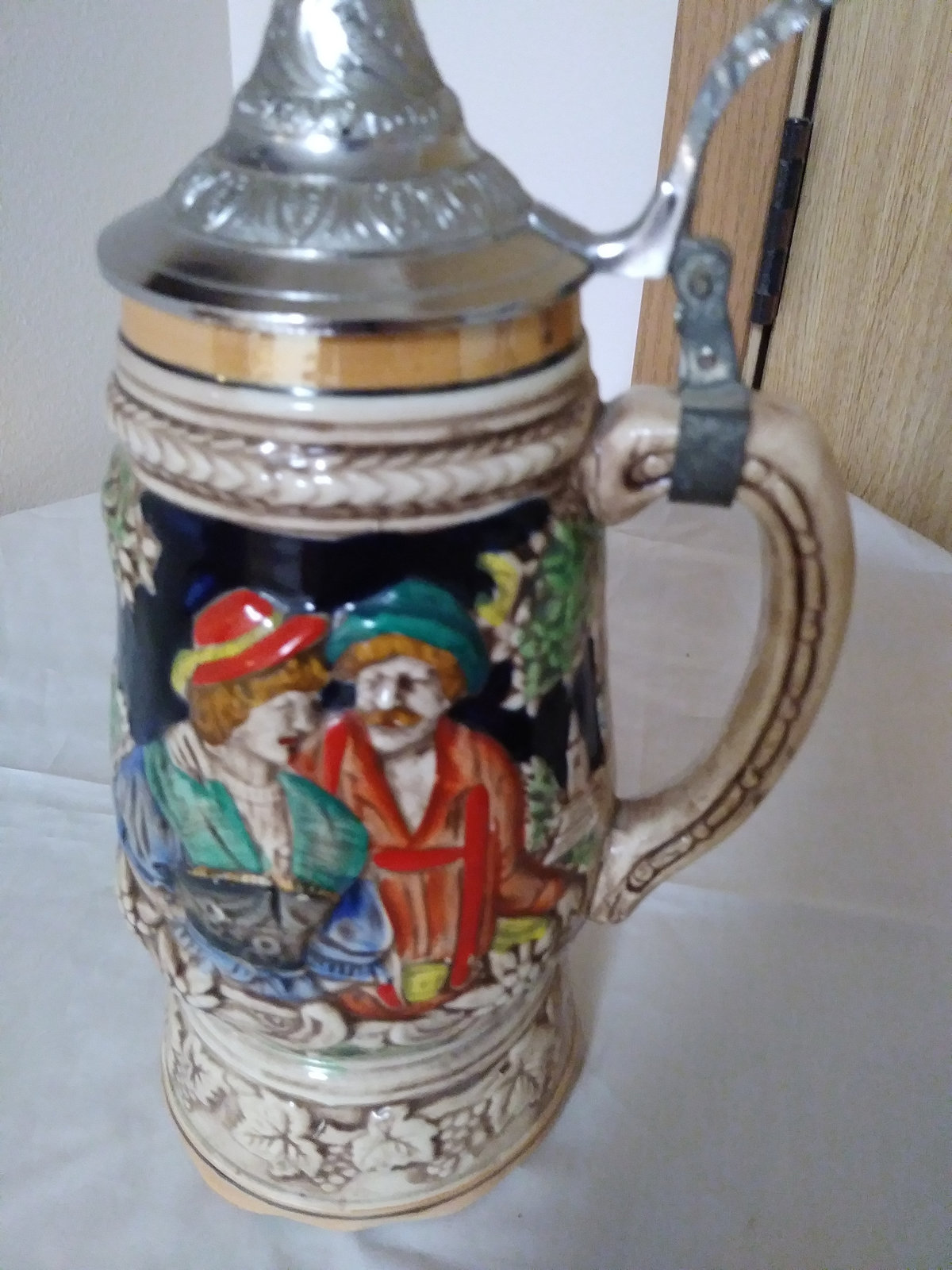 Vintage Beer Stein Music Box look-alike is signed Japan German Village Scene & L