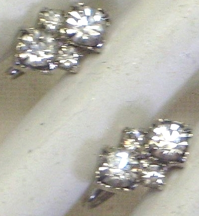 Vintage Clear Rhinestone Screw Back Earrings