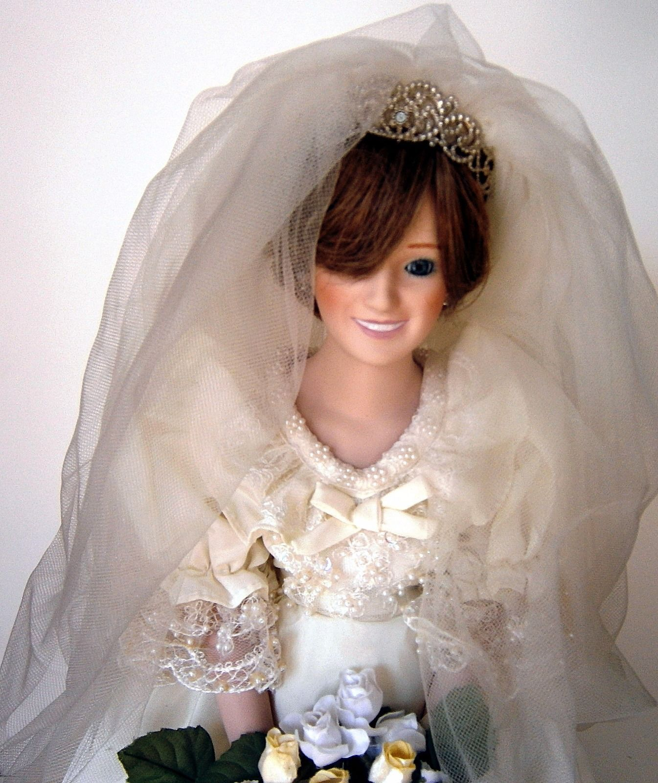 The Princess Diana Bride Doll by Danbury Mint image 2