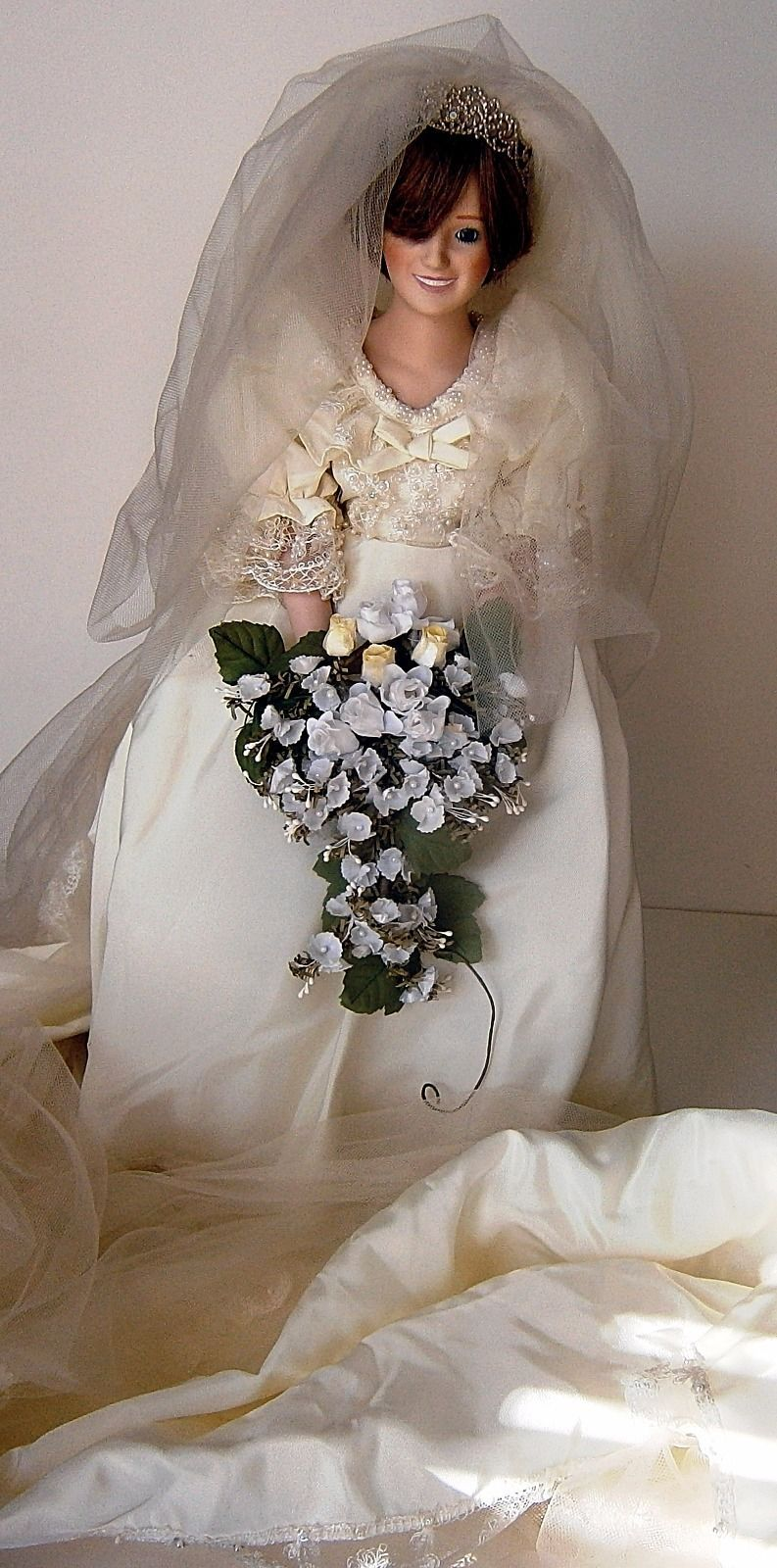 The Princess Diana Bride Doll by Danbury Mint image 4