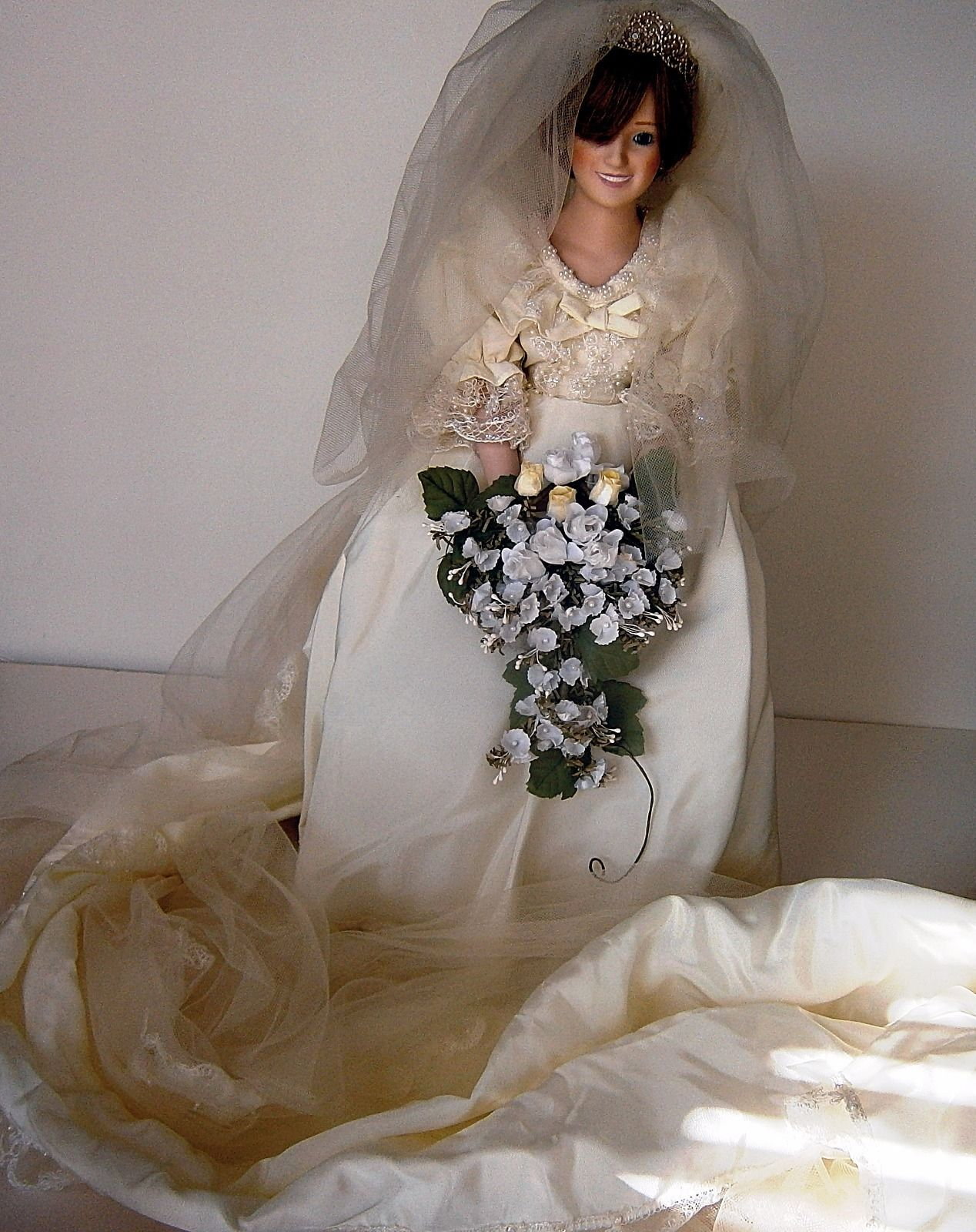 The Princess Diana Bride Doll by Danbury Mint image 3