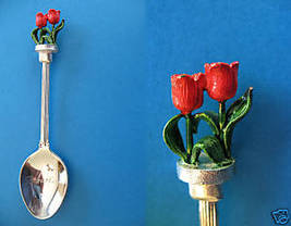 BOWRAL New South Wales Australia Souvenir Collector Spoon RED TULIPS Flowers  - $6.95