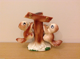 Painted Ceramic Squirrel Salt & Pepper Shaker Set Kitchen & Home Decorative Ware