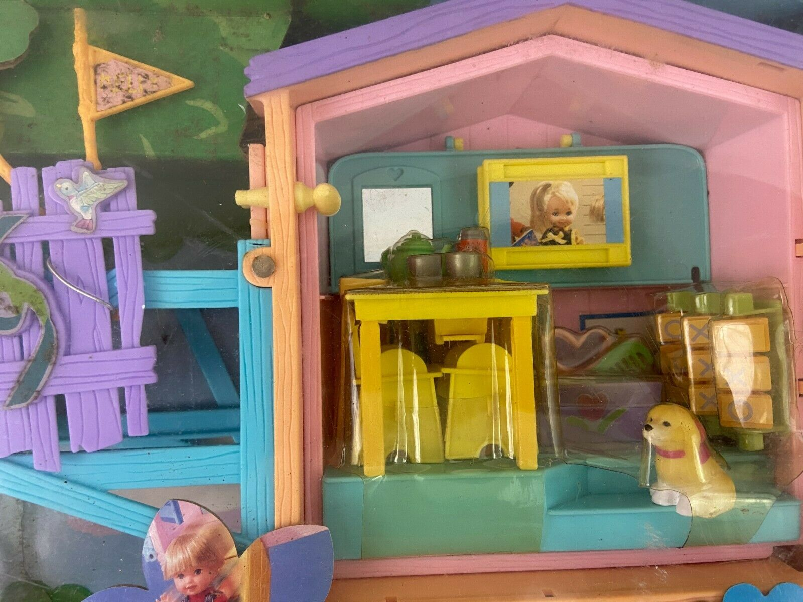 Kelly Club Barbie Lots Of Secrets Clubhouse Playset ...