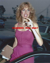 JENILEE HARRISON CANDID  PHOTO 6V-754 - $14.84