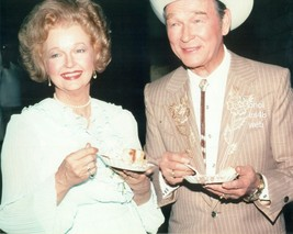 ROY ROGERS DALE EVANS @ HOLLYWOOD FUNCTION RARE CANDID 8X10 PHOTO  7Z-19... - $16.82