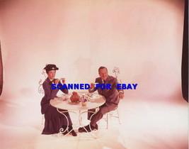 Julie Andrews Walt Disney Having Tea Cute Photo 5 A 29 - $14.84