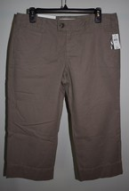 New Gap Sz 8 Crop Pants Relaxed Fit Favorite Khaki Low Rise Beige Capris Cotton - $20.56