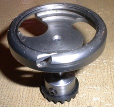 Singer 6105 Rotating Hook #353104 w/Belt Drive Pulley #352882 - $15.00