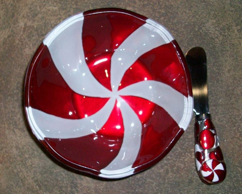 Silvestri Glass Fusion Plate, Peppermint Bowl, By Demdaco, New in Box