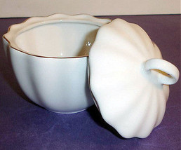 Kate Spade GWINNETT LANE Covered Sugar Bowl in Creme by Lenox Boxed New - $34.90