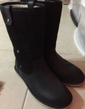 UGG Malindi Boots size 6M for $90 - $90.00