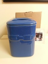 Longaberger Cornflower Blue Medium Canister Wit... - $39.55