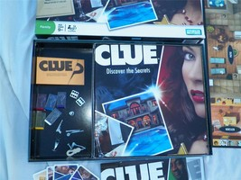 Clue   Detective Game   Discover The Secrets   Family Parker 2008 Bros Edition - $24.74