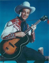 ROY ROGERS PLAYING GUITAR 8X10 PHOTO  7Z-209 - $14.84