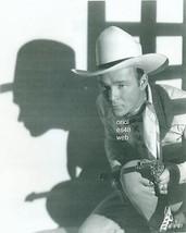 ROY ROGERS HOLDING GUN CLOSE-UP 8X10 PHOTO  7Z-207 - $14.84