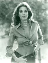 LYNDA CARTER 8X10 PHOTO 8B-781 Wonder Woman - $14.84