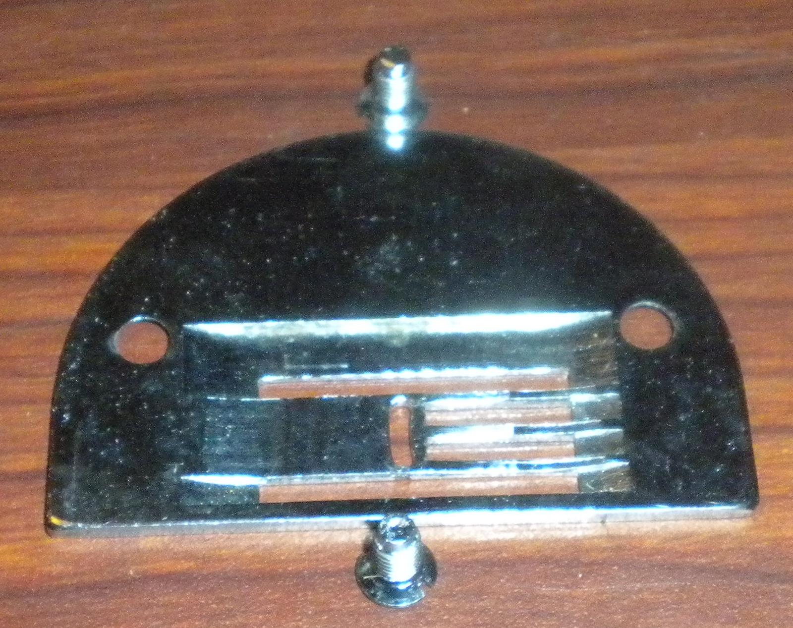 Dressmaker 290A Zig Zag Throat Plate w/Mounting Screws image 2