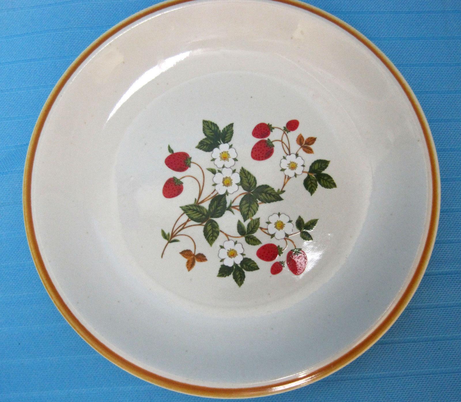 Sheffield Strawberries n Cream Lunch Salad Dessert Plate Stoneware Vintage Japan - $16.50