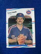 Baseball Trading Card Fleer 1988 #139 Terry Leach (SS63) - $4.17