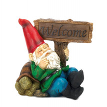 Welcome Gnome Solar Light Statue - $34.85